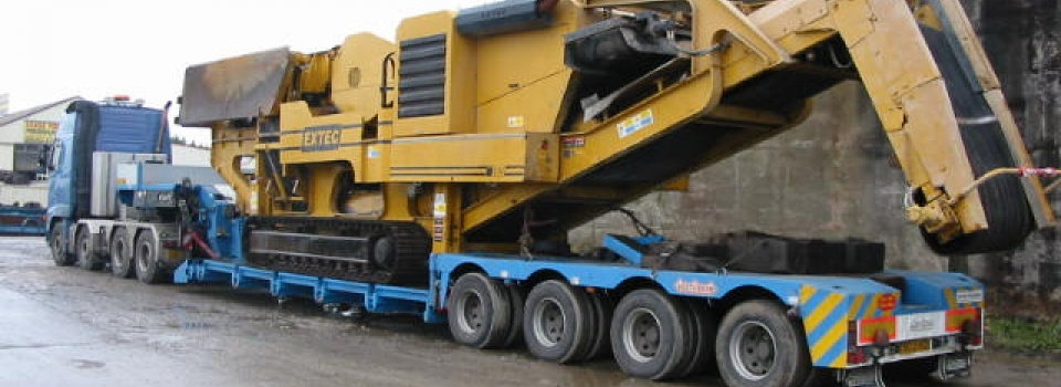 Extec C12 tracked jaw crusher on its way to the UK port for export to the Middle East